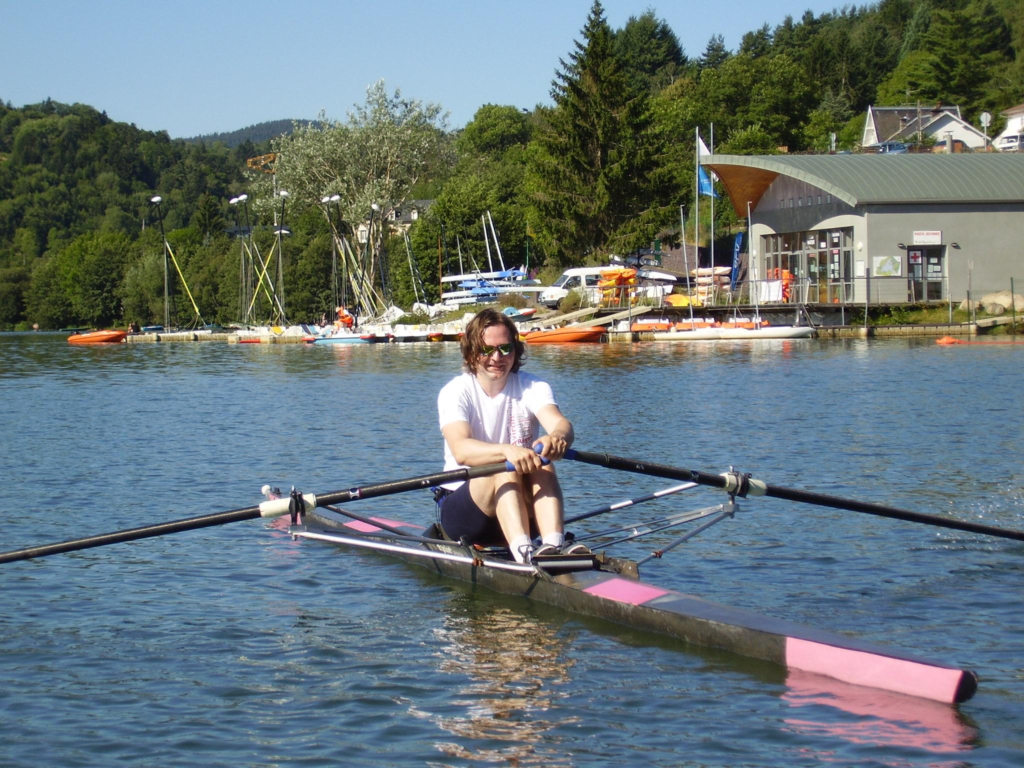 L'Aviron Clermont Aydat, gite le Marguerite, skiff